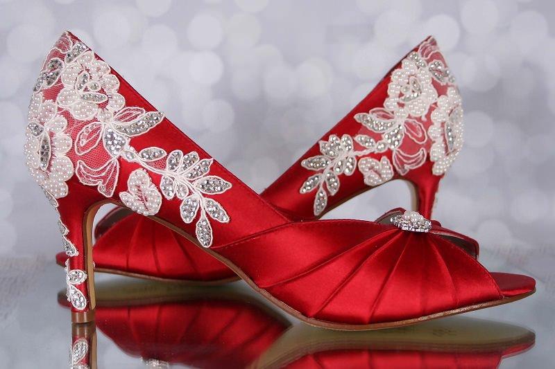 5-sapato-de-noiva-vemelho-bordado