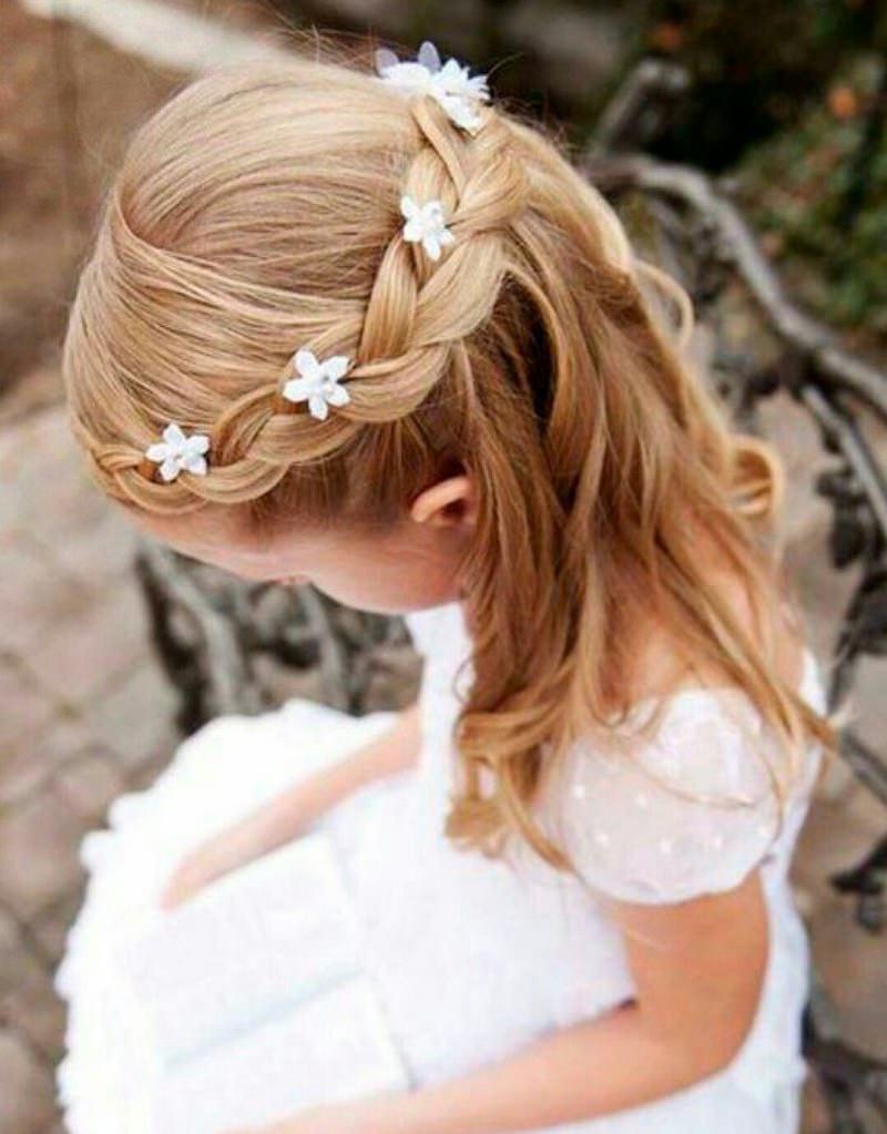 7-cabelo-de-dama-de-honra-detalhe-florzinhas