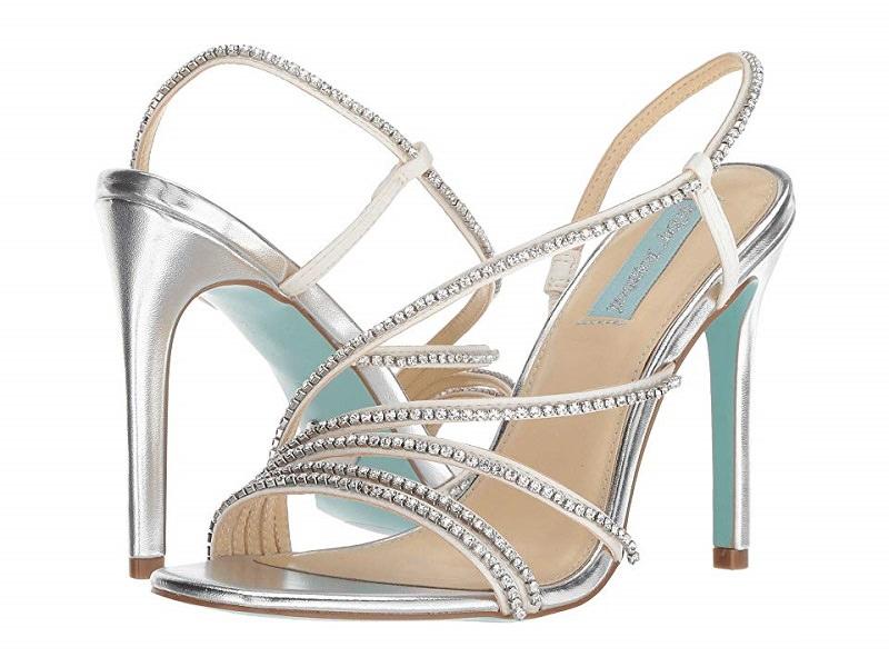 15-sandalia-de-noiva-prateada-metalica