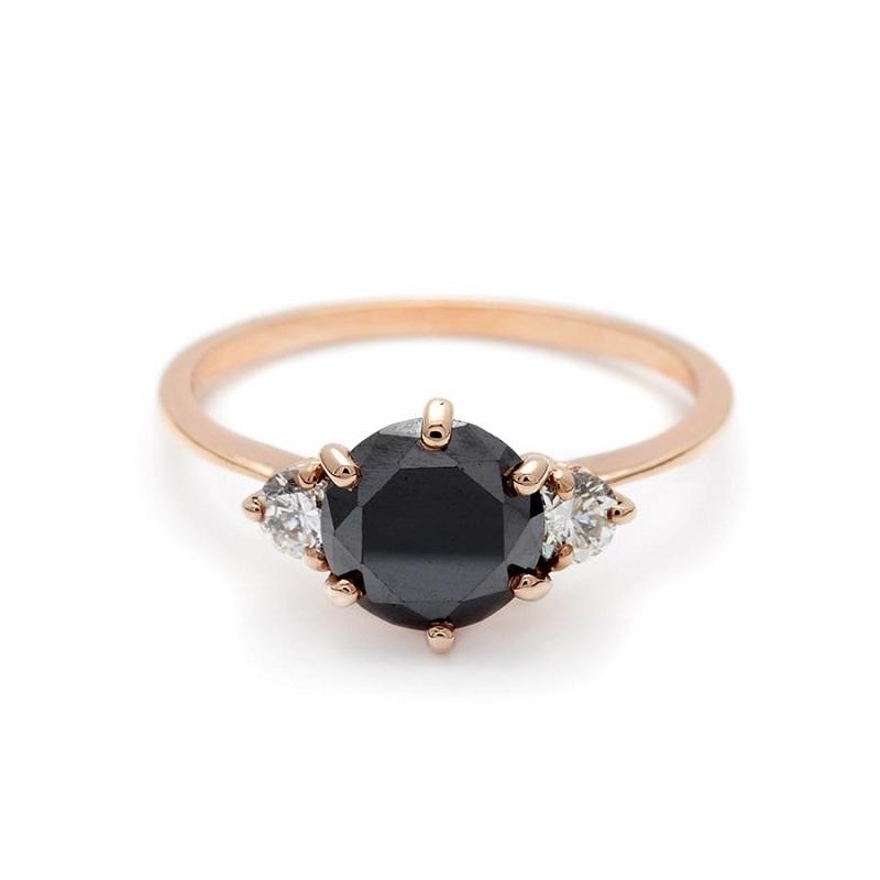 3-anel-de-noivado-de-diamante-branco-com-detalhe-lateral-em-diamantes