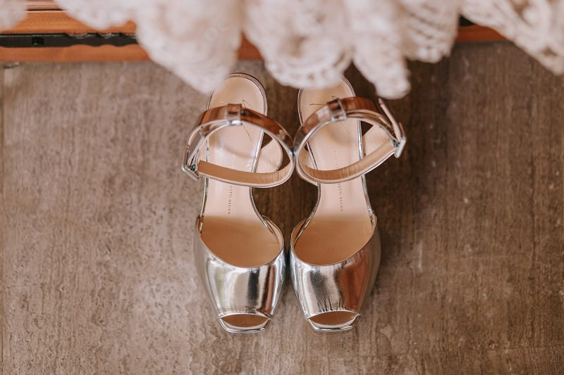 4-sapato-de-noiva-confortavel-metalico