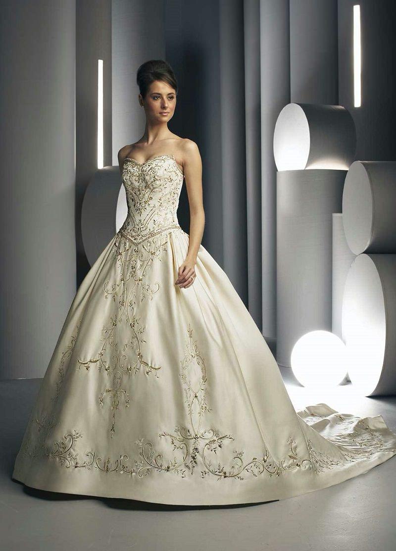 7-vestido-de-noiva-com-bordado-em-linha-dourado