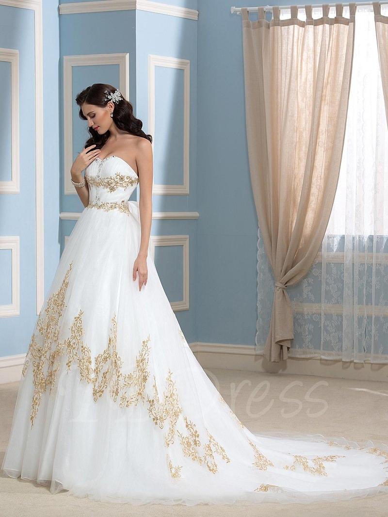 8-vestido-de-noiva-branco-com-bordados-em-cor-de-ouro