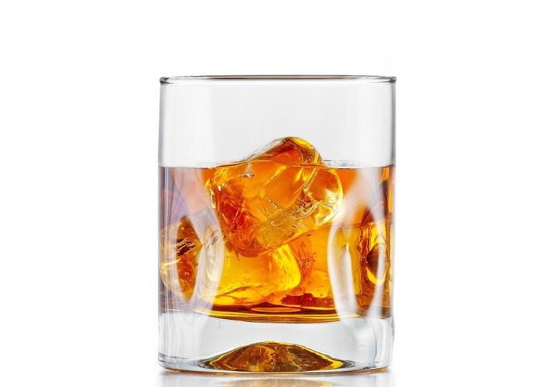 copo-de-whisky-para-festa-de-casamento