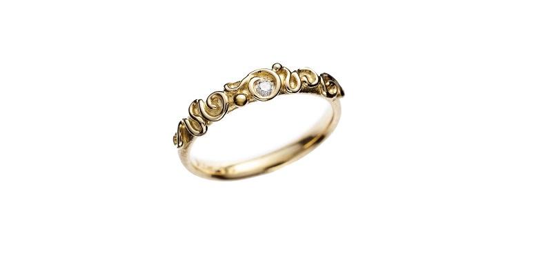 2-alianca-de-casamento-com-arabescos-dourada