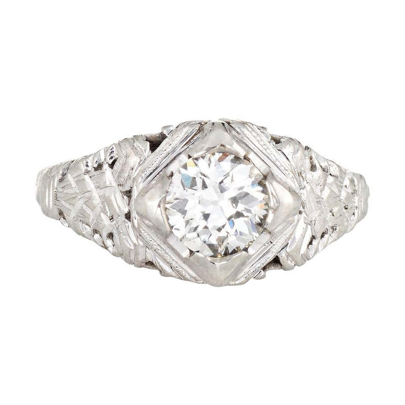 anel-solitario-estilo-art-deco-com-diamantes