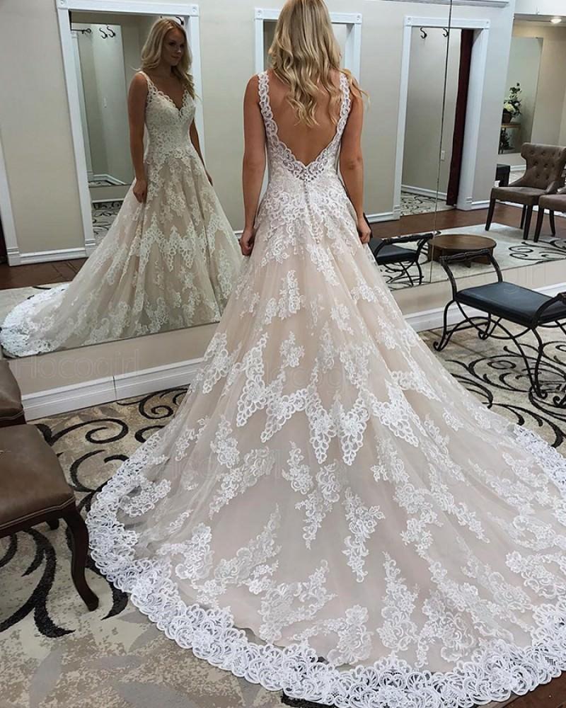 4-vestido-de-noiva-com-rendas-volume-na-cauda
