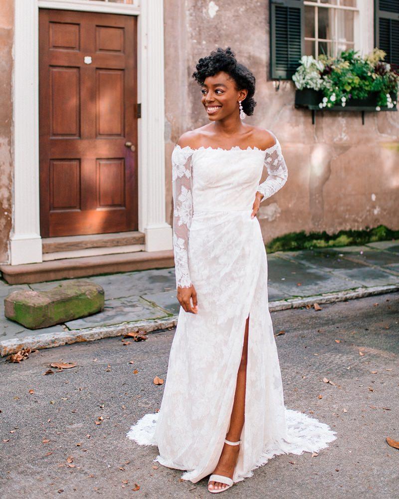 8-vestido-de-noiva-contemporaneo-com-rendas-nas-mangas