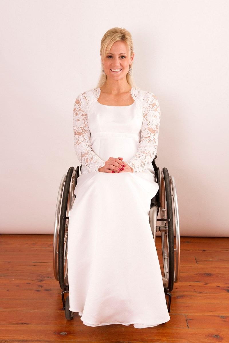 9-cadeirante-com-vestido-de-noiva-moda-inclusiva