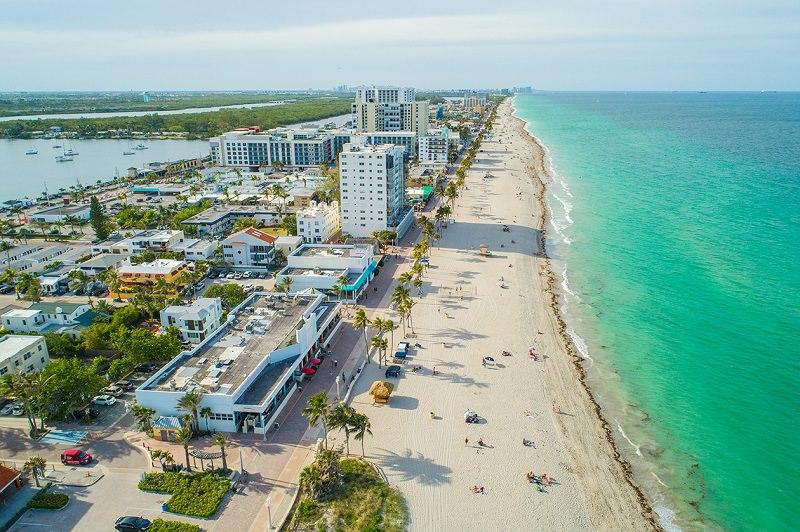 praia-tranquila-para-lua-de-mel-hollywood-beach-florida