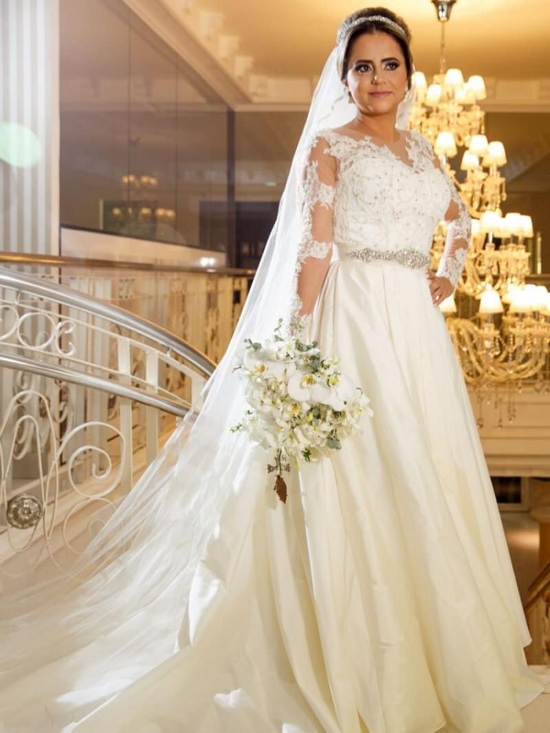 11-vestido-de-noiva-off-white-com-detalhes-bordados