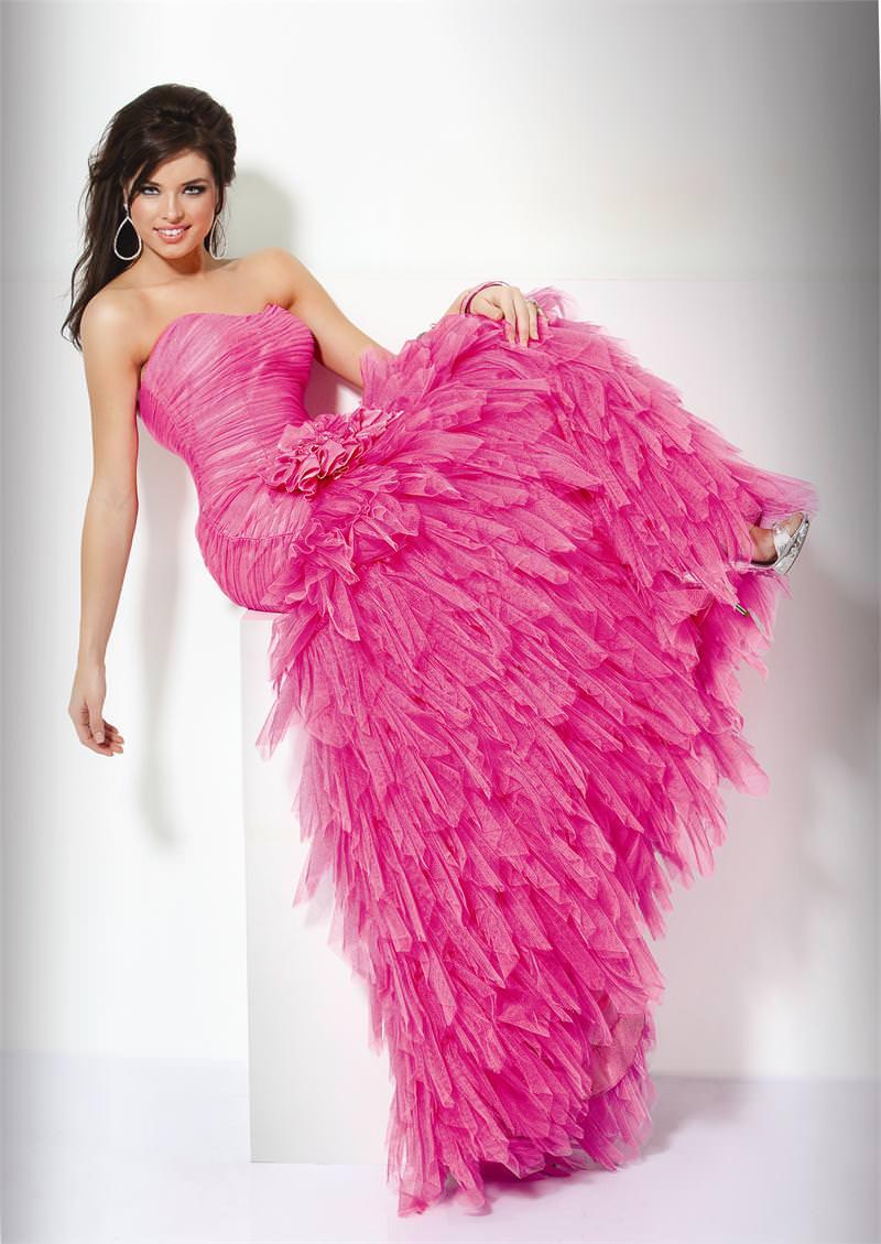 11-vestido-de-noiva-rosa-com-saia-armada