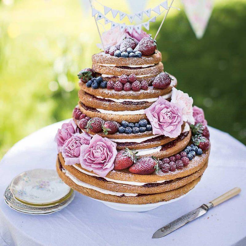13-bolo-de-casamento-com-flores-e-frutas-vermelhas-naked-cake