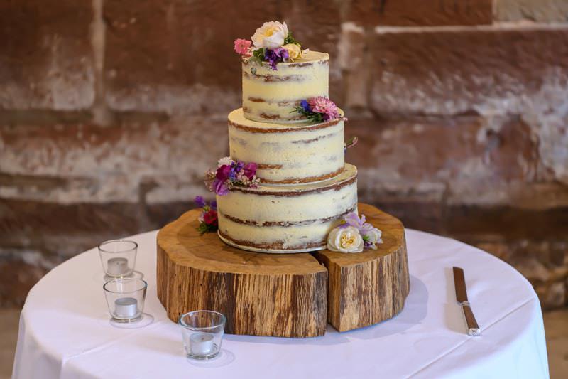 15-bolo-de-casamento-rustico-com-flores-bolo-pelado