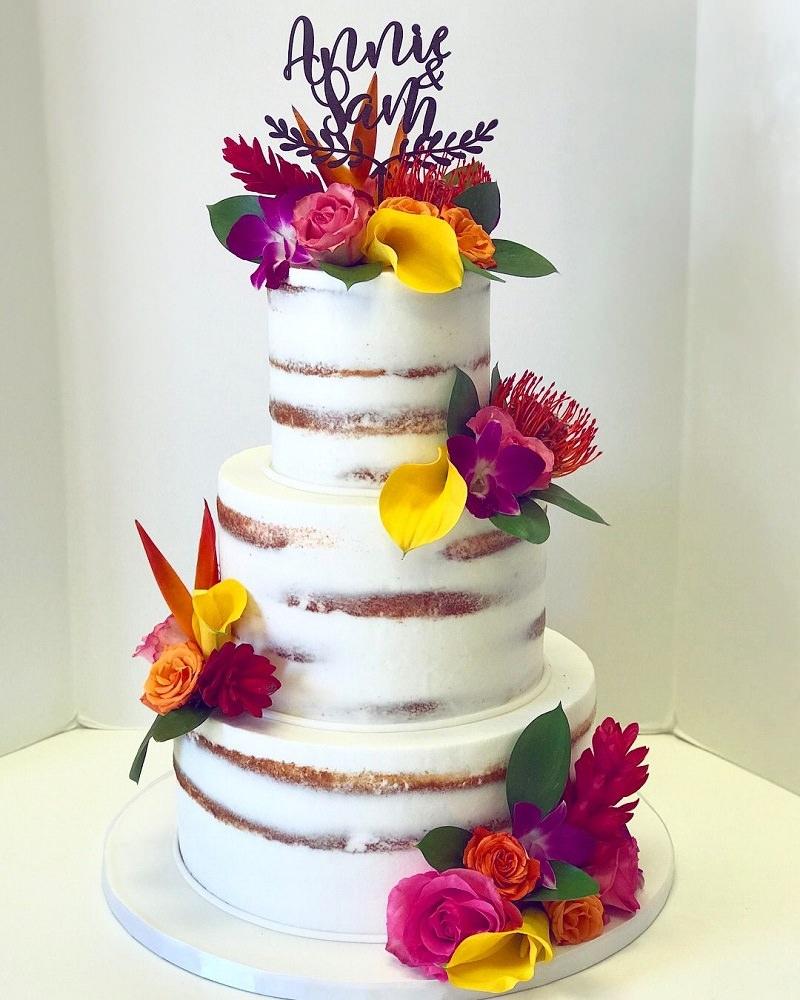 2-naked-cake-com-flores-vibrantes