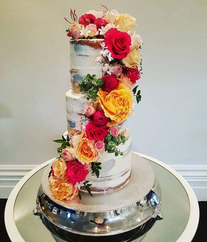 3-bolo-de-casamento-com-flores-bolo-pelado
