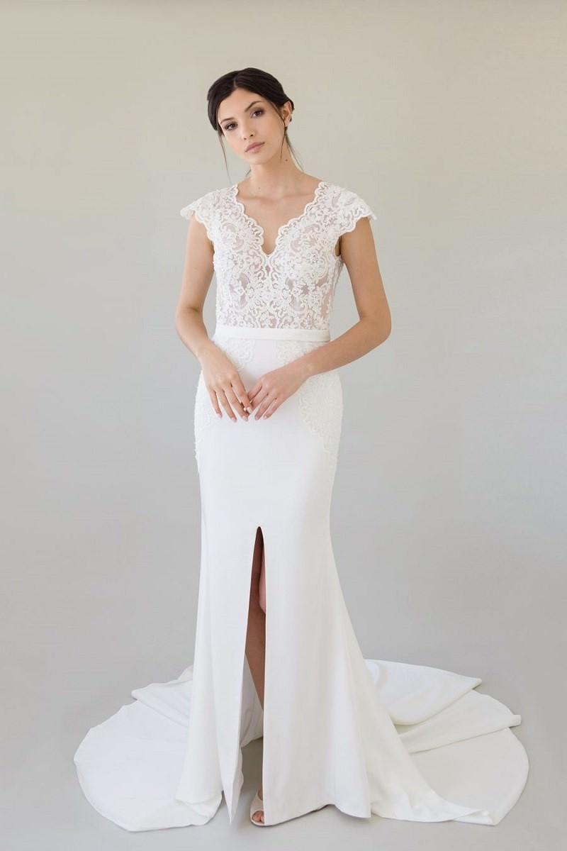 7-vestido-de-noiva-off-white-com-busto-rendado
