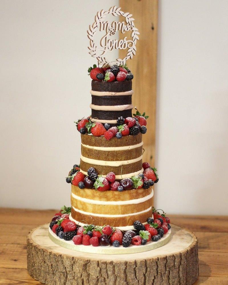 9-naked-cake-degrade-de-massas-com-frutas-vermelhas-casamento