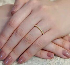 capa-alianca-de-casamento-com-diamantes-poesie