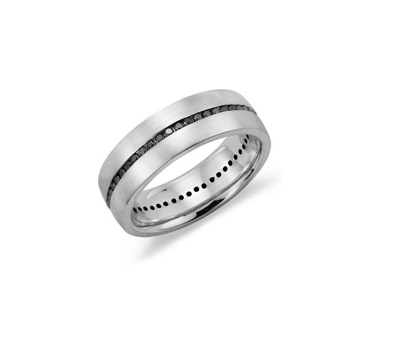 3-alianca-de-casamento-grossa-com-detalhe-de-pedras-cravejadas