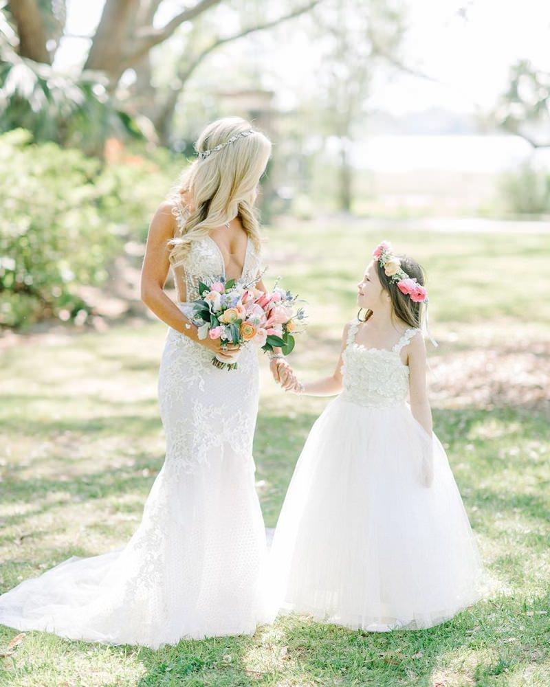 3-mini-noiva-quem-paga-pelo-vestido-da-dama-de-honra