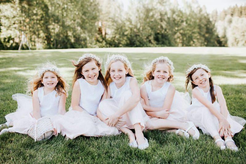5-damas-de-honra-com-vestido-igual