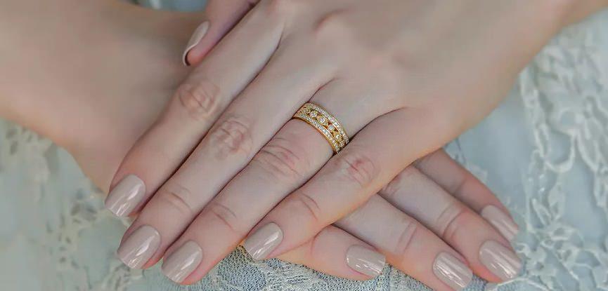 capa-alianca-de-casamento-grossa-larga-ouro-amarelo-com-diamantes