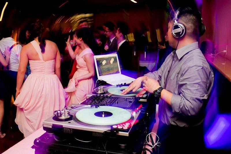 dj-de-casamento-dicas-na-hora-de-escolher-festa