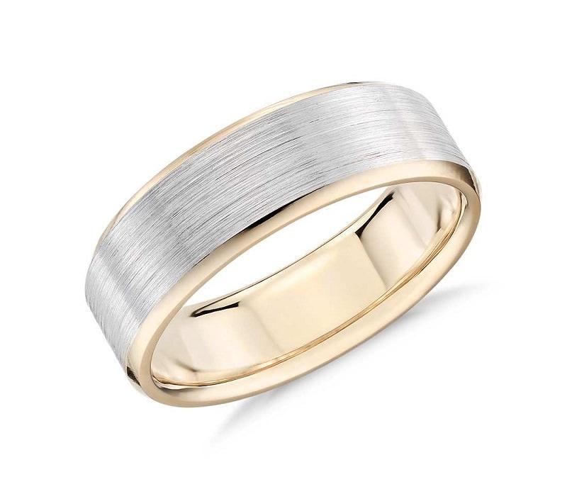 7-anel-de-ouro-para-homens-com-detalhe-escovado