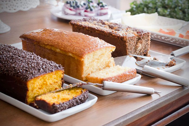 mesa-de-bolos-cafe-da-manha-para-casamento-de-dia-acompanha-buffet-de-tapiocas