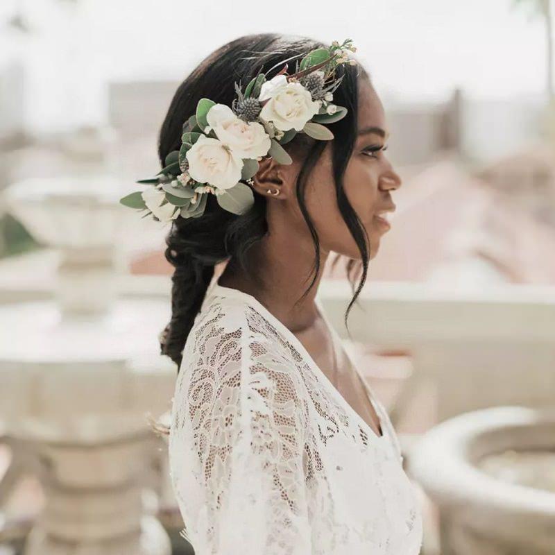 1-penteado-de-casamento-com-flores-brancas
