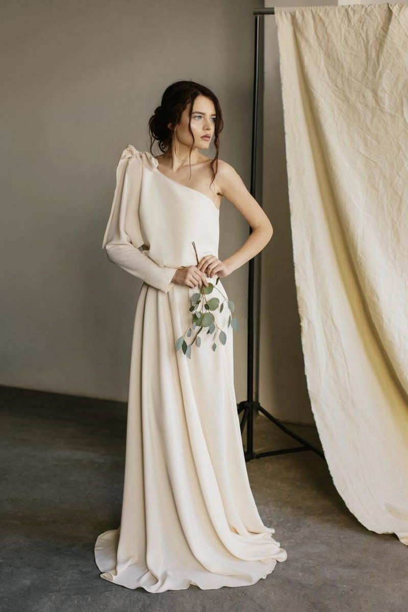 3-vestido-de-noiva-assimetrico-modelo-de-um-ombro-so