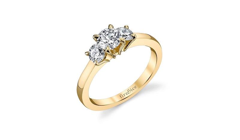 7-anel-de-ouro-amarelo-com-tres-diamantes-centrais
