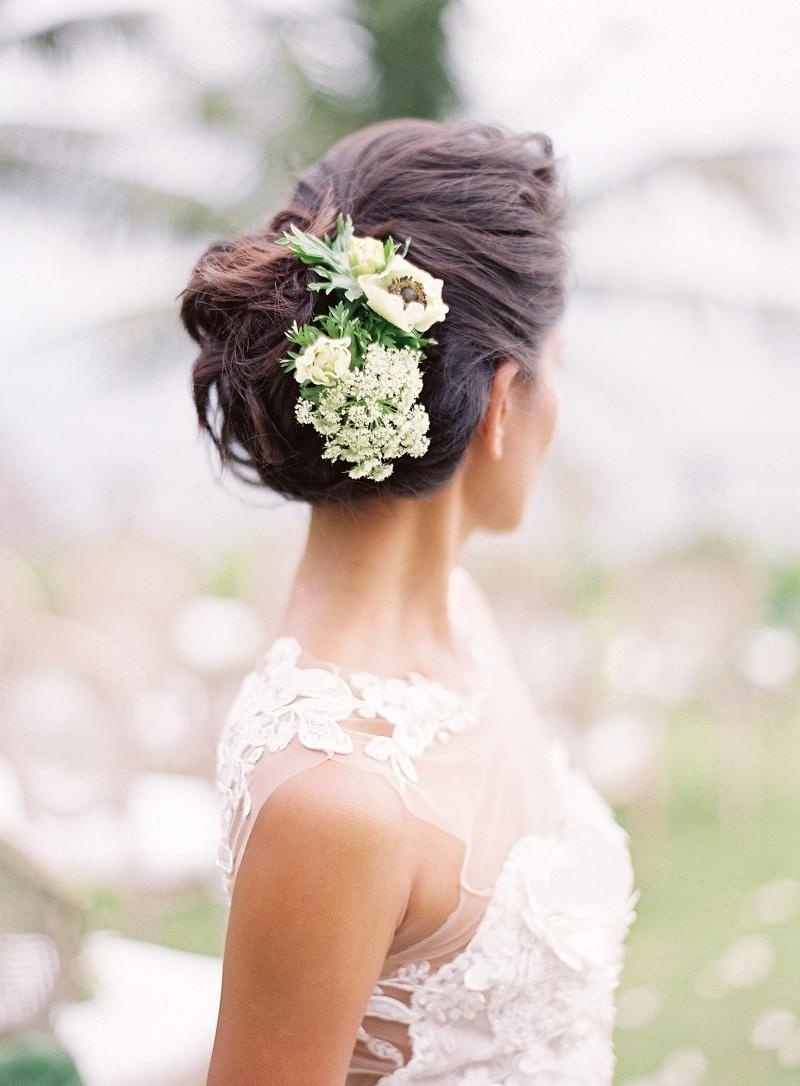8-penteado-de-noiva-com-flores-naturais-para-casamento-em-sitio